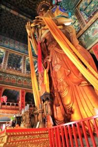 4-13-statue geante