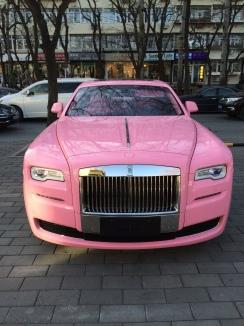 16-voiture rose